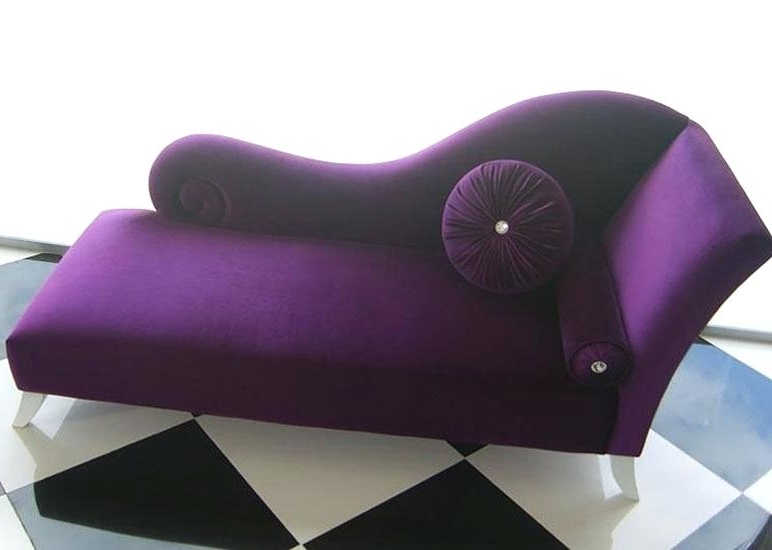 Purple Chaise Lounge Furniture Of Flannelette Tufted Chaise Lounge Within Fashionable Purple Chaise Lounges (View 12 of 15)