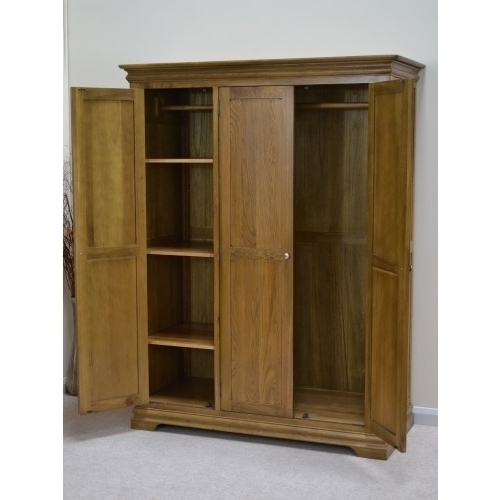 Recent Farmhouse Oak 3 Door Triple Wardrobe With Shelves Triple Door Throughout Oak 3 Door Wardrobes (View 11 of 15)