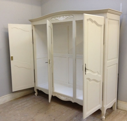 Recent If3375 French Provencal Style Armoire Regarding 3 Door French Wardrobes (View 12 of 15)