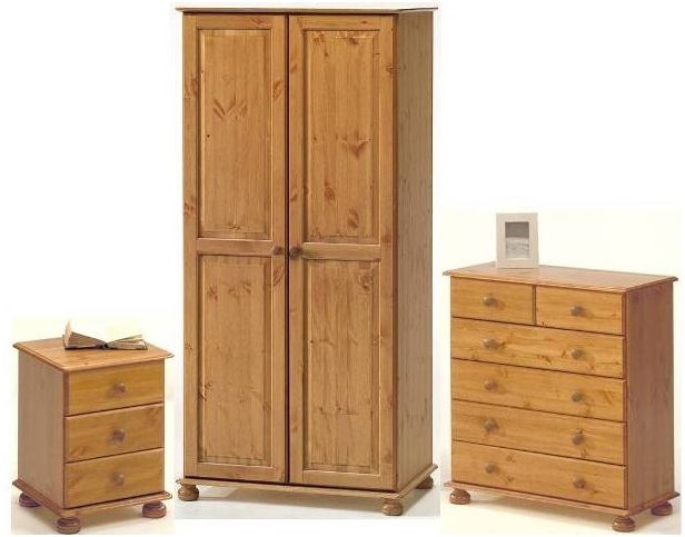 Recent Kalbeck Pine 2 Door Wardrobe Bedroom Set For Pine Wardrobes (View 12 of 15)