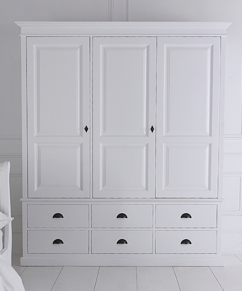 Recent Triple Wardrobe With Six Drawers Pertaining To Painted Triple Wardrobes (View 5 of 15)