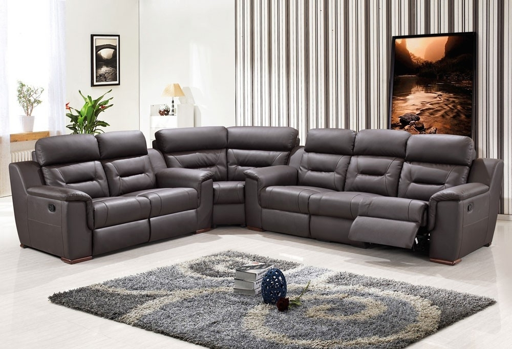 Reclining Sectional Sofas Throughout Favorite Manual Reclining Sectional Sofa — Fabrizio Design : Cool Modern (View 8 of 10)