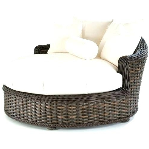 Round Chaise Lounges With Regard To 2018 Circular Chaise Lounge Lane Venture South Round Chaise Order With (View 15 of 15)