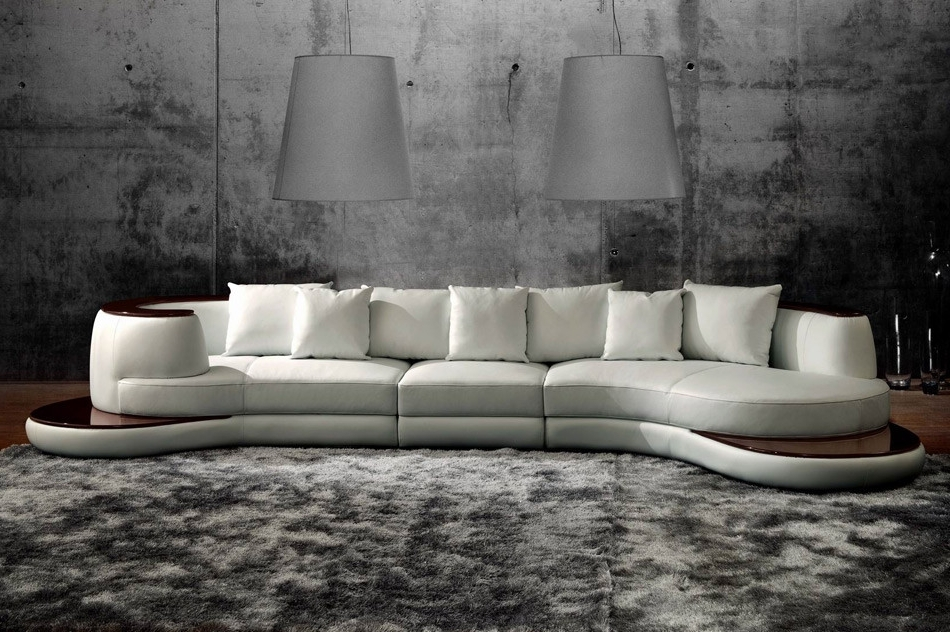 Rounded Corner Sectional Sofas Intended For Most Recent Rounded Corner Italian Leather Sectional Sofa With High Gloss Trim (View 4 of 10)