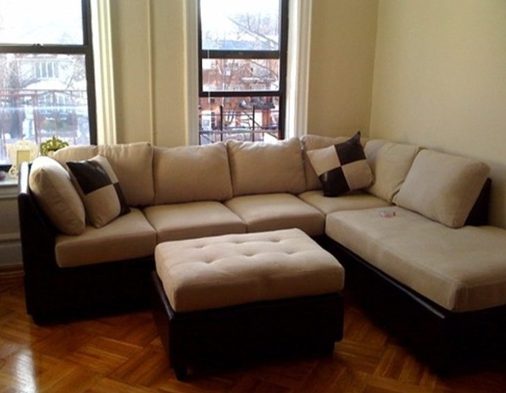 Sectional Sofas For Small Spaces (View 8 of 10)
