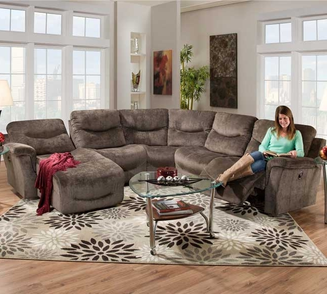 Sectional Sofas With Recliners (View 7 of 10)
