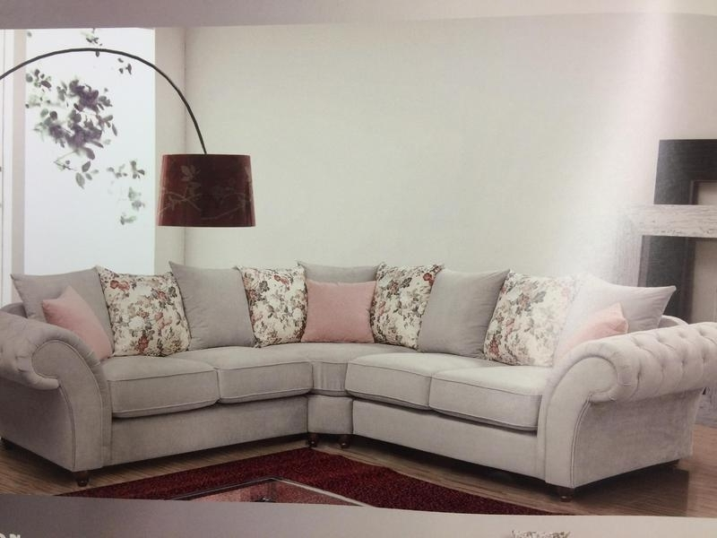 Shabby Chic Sofas Throughout Most Popular Shabby Chic Sofa Buying Guide With Regard To Decorations  (View 10 of 10)