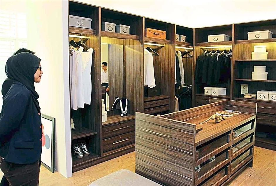 Signature Wardrobes Within Fashionable Make Yourself At Home (View 13 of 15)