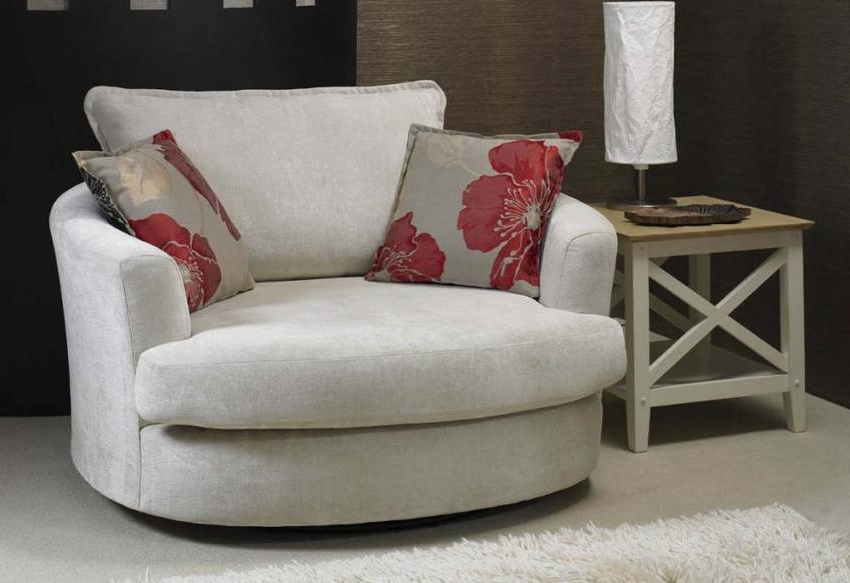 Small Sofas And Chairs Inside Well Liked Exotic Sofas And Chairs To Create A Fresh Look (View 6 of 10)