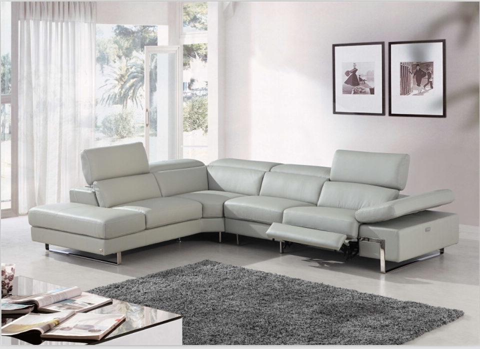 Sofa Beds Design: Chic Modern Sectional Sofas With Electric Pertaining To Latest Sectional Sofas With Electric Recliners (View 10 of 10)