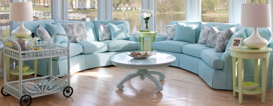 Trendy Cottage Style Living Room With Sofa Design Entrestl Decors Regard In Cottage Style Sofas And Chairs (View 9 of 10)