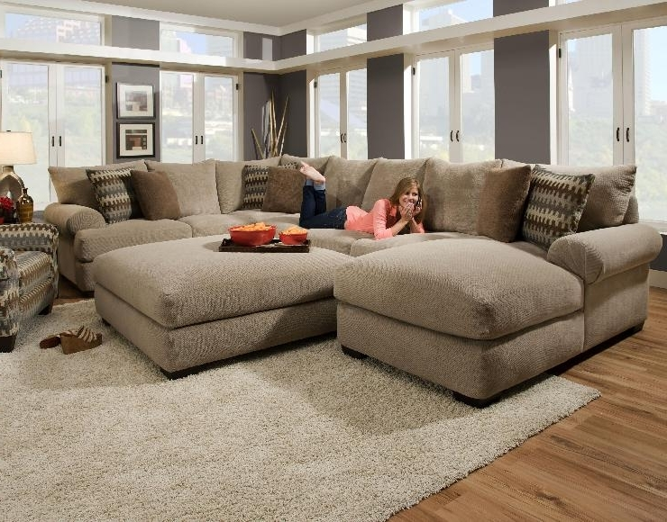 Trendy Sectional Sofas With Oversized Ottoman Throughout Sectional Sofa With Oversized Ottoman Living Room Wingsberthouse (View 9 of 10)