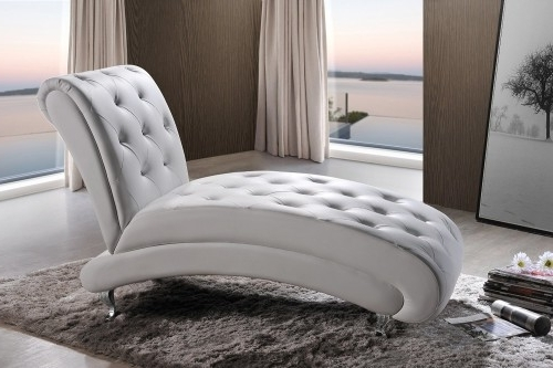 Trendy White Chaise Lounges With Regard To Top 10 Types Of White Chaise Lounges (View 14 of 15)