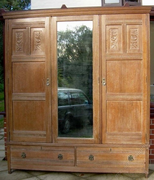 Triple Oak Wardrobes Regarding Fashionable A Solid Oak Arts & Crafts Triple Wardrobe – Antiques Atlas (View 10 of 15)