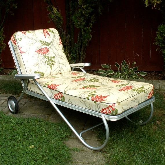 Vintage Chaise Lounge Chairs With Recent Vintage Chaise Outdoor Lounge Chair (View 12 of 15)
