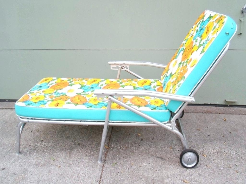 Vintage Outdoor Chaise Lounge Chairs Inside 2017 Vintage Metal Chaise Lounge Pair Of Vintage For Brown Regent (View 12 of 15)