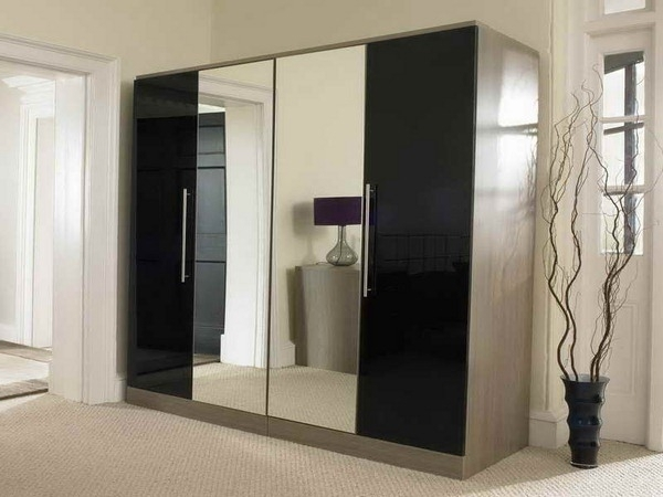 Wardrobes With Mirror With Regard To Recent Wardrobe Mirror – Designs Bedroom Wardrobe With Mirror Doors (View 15 of 15)