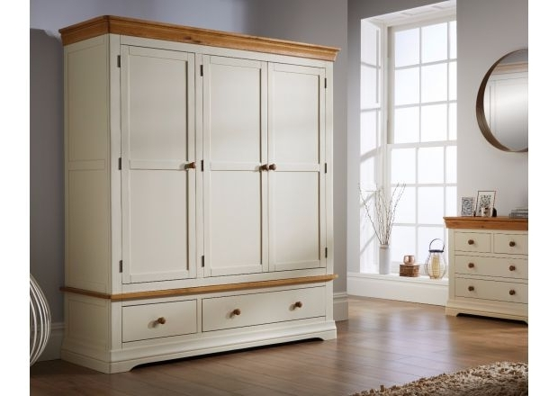 Well Known Cream Wardrobes Pertaining To Oak Wardrobes, Double And Triple In Size (View 13 of 15)