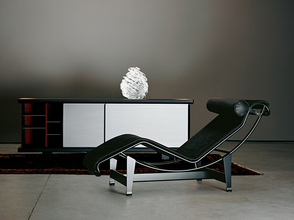 Well Liked Cassina Lc4 Chaise Longuele Corbusier, Pierre Jeanneret For Lc4 Chaise Lounges (View 14 of 15)