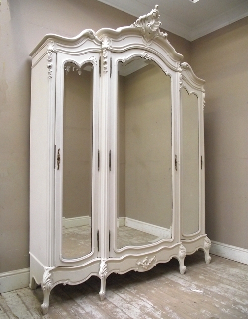 Widely Used 3 Door French Wardrobes Pertaining To If2456 Antique Triple Door Armoire (View 15 of 15)