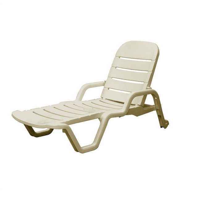 Widely Used Stunning Luxury Outdoor Chaise Lounge Furnitures Outdoor Chaise Inside Luxury Outdoor Chaise Lounge Chairs (View 15 of 15)