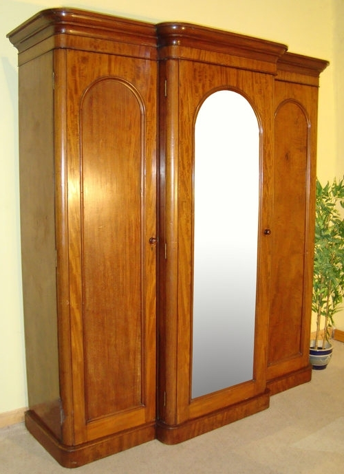 Widely Used Victorian Mahogany Three Door Breakfront Wardrobe – Antiques Atlas Pertaining To Breakfront Wardrobes (View 8 of 15)