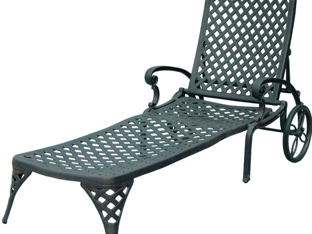Wrought Iron Outdoor Chaise Lounge Chairs With Preferred Vintage Wrought Iron Chaise Lounge Wrought Iron Position Single (View 14 of 15)
