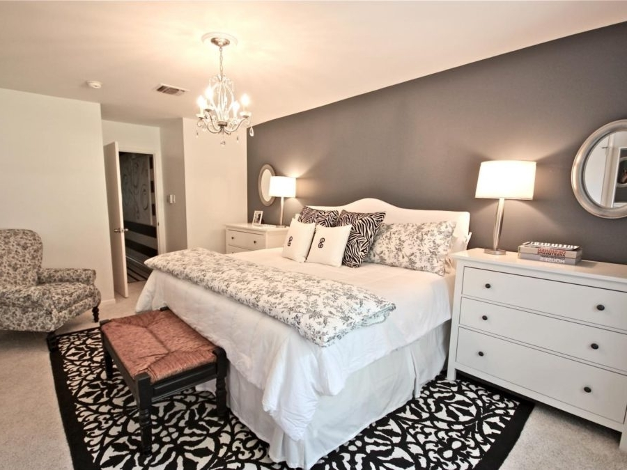Bedroom Chandeliers Throughout Trendy Guide To Choose Bedroom Chandeliers (View 3 of 10)