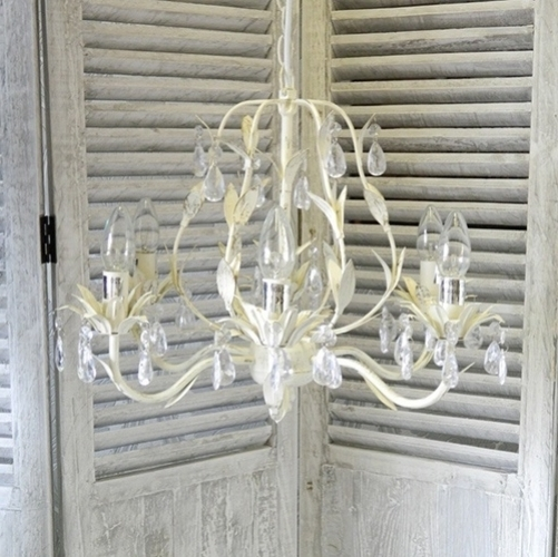 Best And Newest Large Shabby Chic And Vintage Cream Chandelier Pertaining To Large Cream Chandelier (View 2 of 10)