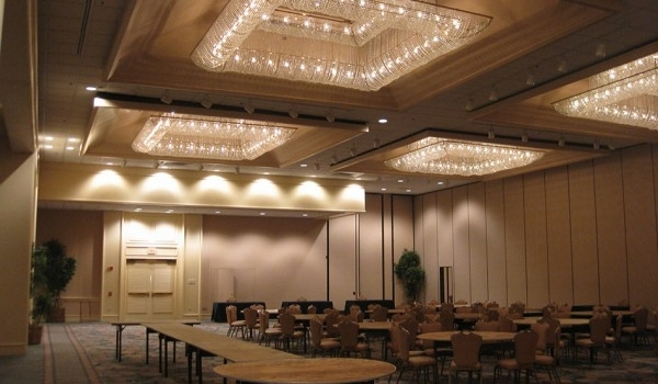 Hilton Hawaiian Village Coral Ballroom & Prefunction Area Pertaining To Famous Ballroom Chandeliers (View 7 of 10)