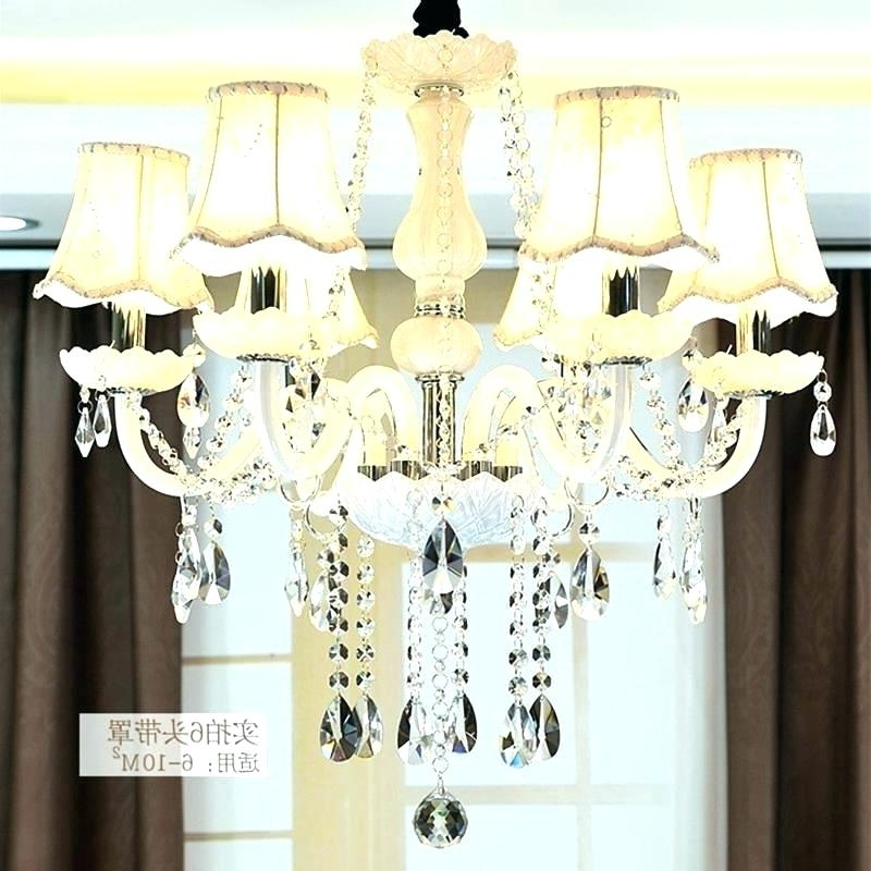 Featured Photo of Chandeliers With Lamp Shades