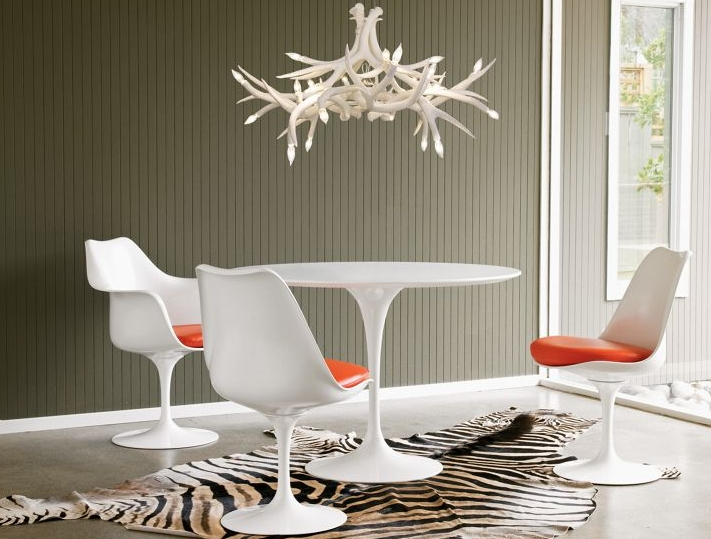 Latest Modern Antler Chandelier With Elk Antler Chandelier The Aquaria Pertaining To Incredible House (View 2 of 10)