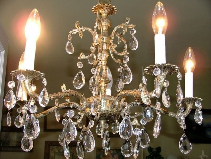 Most Up To Date 12 Best Styles And Advantages Of Brass Chandelier Images On With Regard To Old Brass Chandeliers (View 7 of 10)