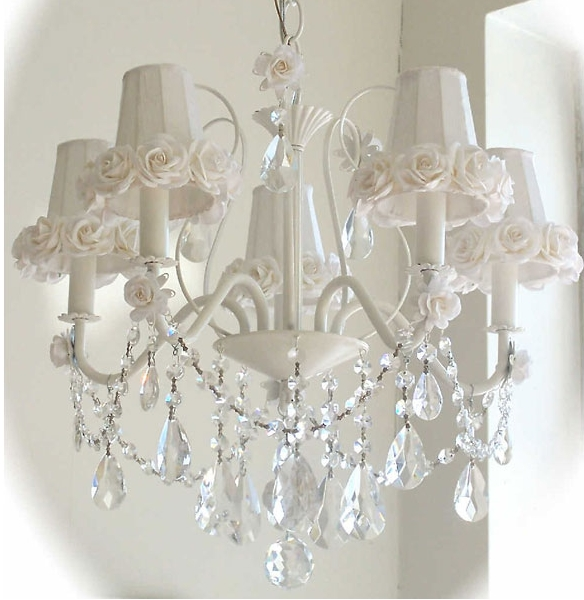 Shabby With Regard To Fashionable Shabby Chic Chandeliers (View 10 of 10)