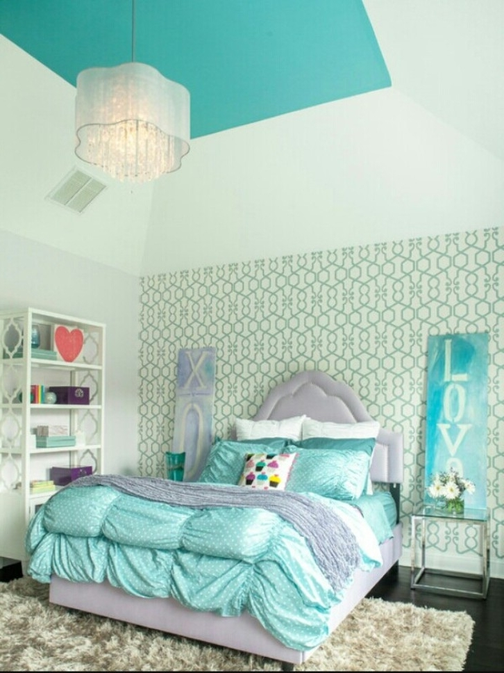 Widely Used Turquoise Bedroom Chandeliers For Teenage Bedroom With Turquoise Bedding And Hanging Chandelier (View 10 of 10)