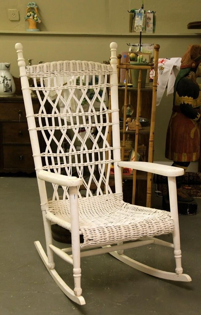 Antique Wicker & Rattan Furniture Intended For Vintage Wicker Rocking Chairs (View 2 of 20)