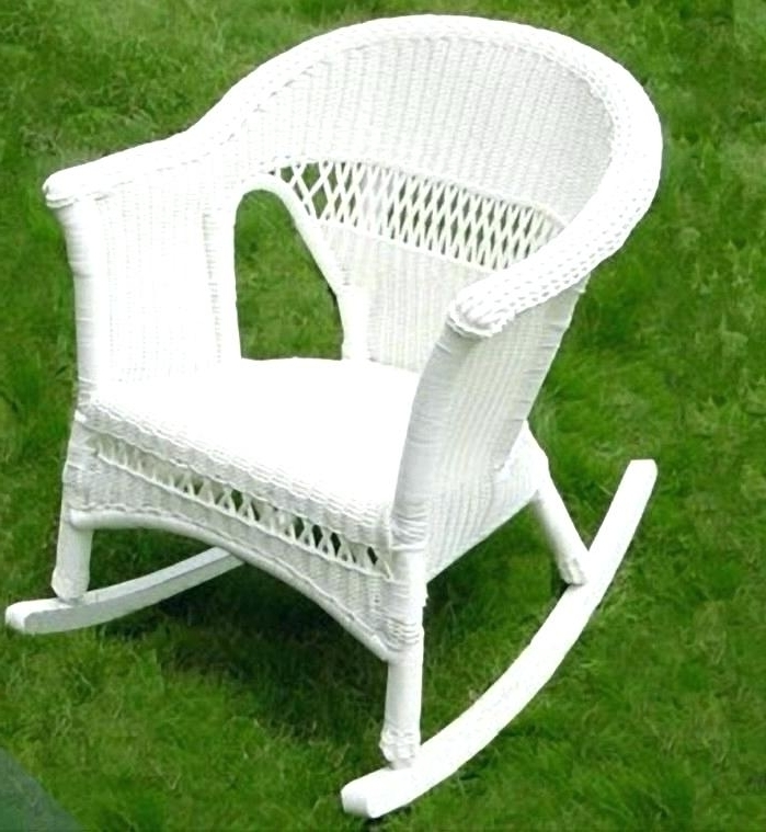 Remarkable Vintage White Wicker Rocking Chair Pictures Ideas – Decodr Intended For Well Known White Wicker Rocking Chairs (Gallery 2 of 20)