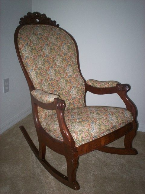 Rocking Chair Sallanan Throughout Most Popular Antique Rocking Chairs (View 13 of 20)