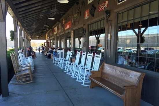 Rocking Chairs At Cracker Barrel In Best And Newest Rocking Chairs – Picture Of Cracker Barrel Old Country Strore (View 13 of 20)