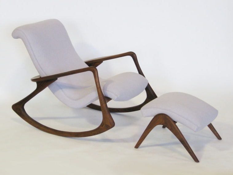 Rocking Chairs With Footrest With Regard To Well Known Furniture (View 15 of 20)