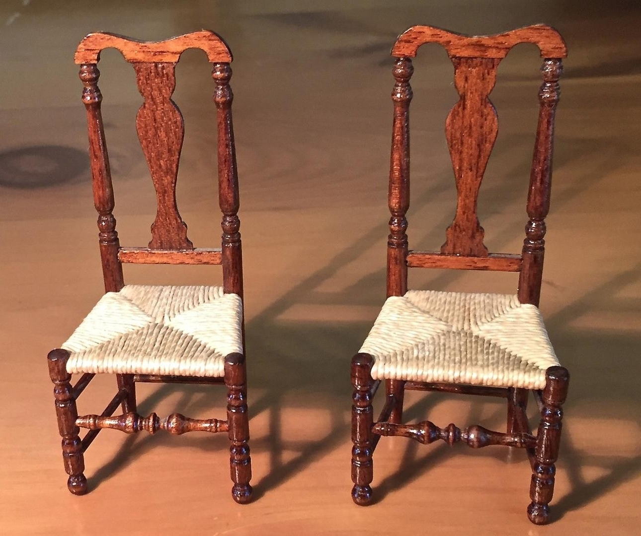 2017 Miniature Gerald Crawford American Queen Anne Rush Seat Side Chairs For Crawford Side Chairs (View 15 of 20)
