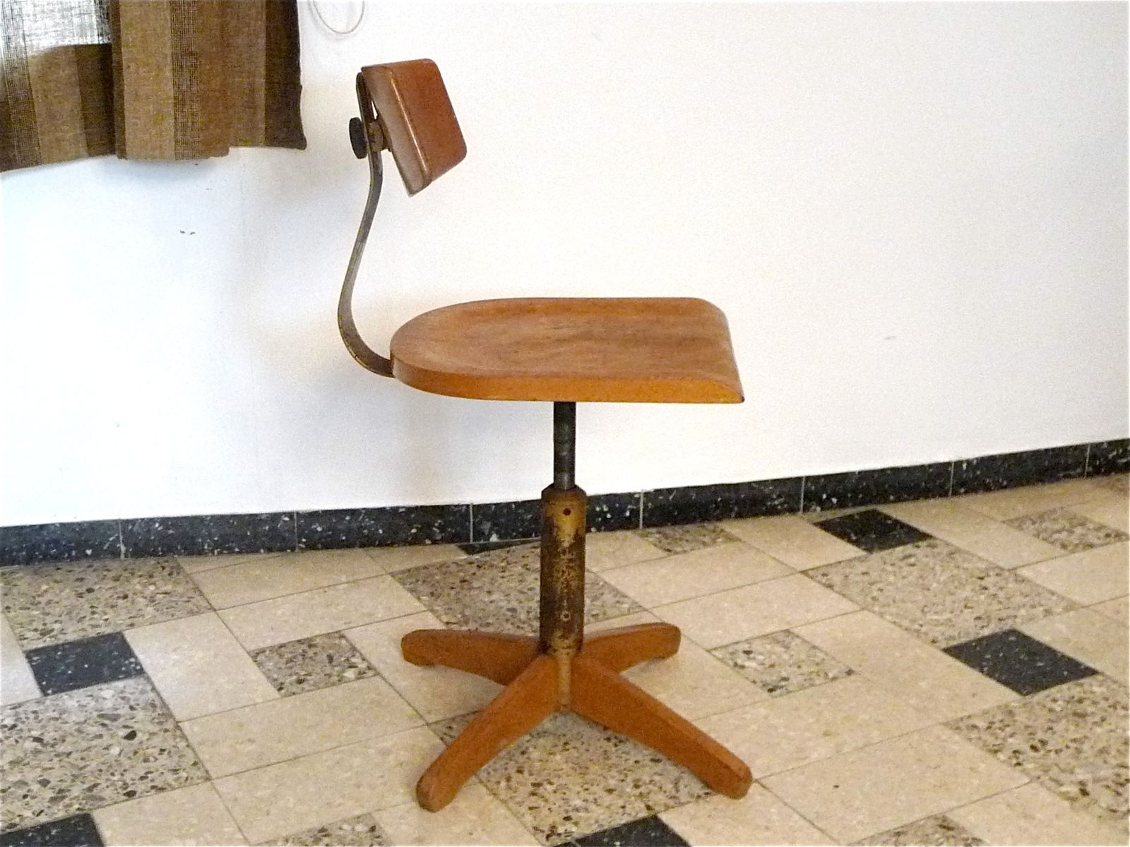 Best And Newest Amos Side Chairs In Model 350 Industrial Chairama Elastic, 1950s For Sale At Pamono (View 9 of 20)
