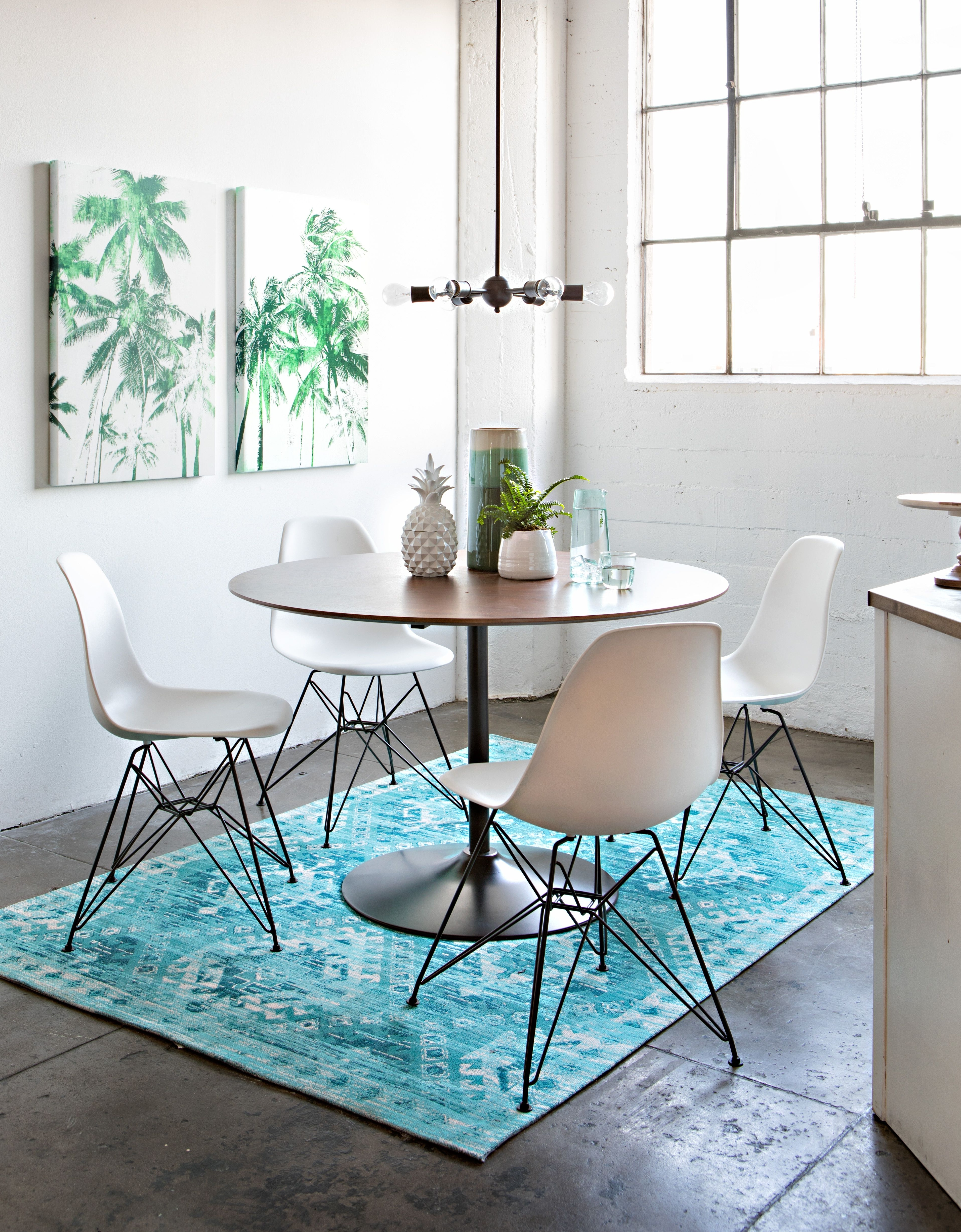 Dining For Newest Alexa White Side Chairs (Gallery 3 of 20)