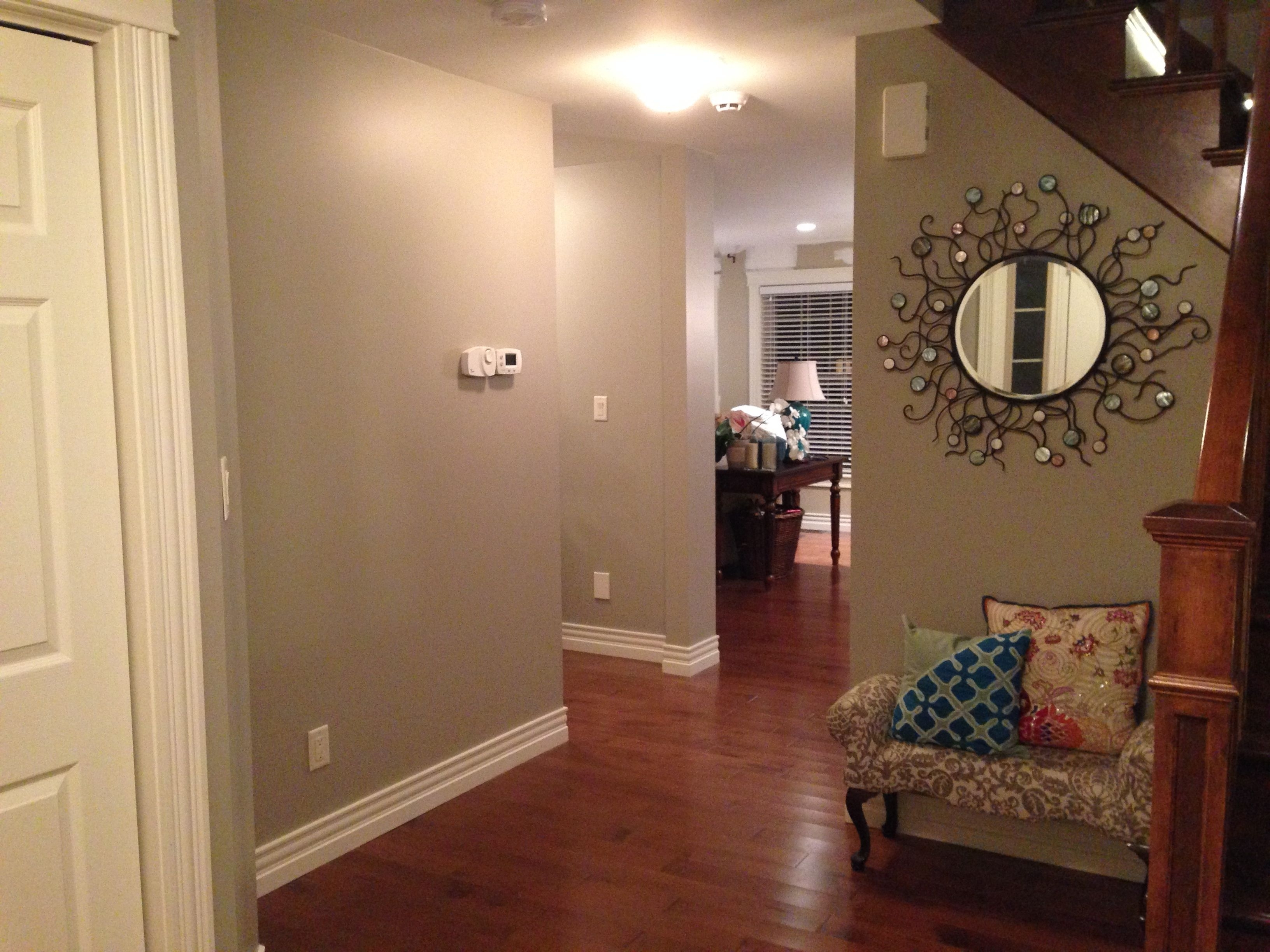 Entry Way With Benjamin Moore – Pashmina (View 10 of 20)