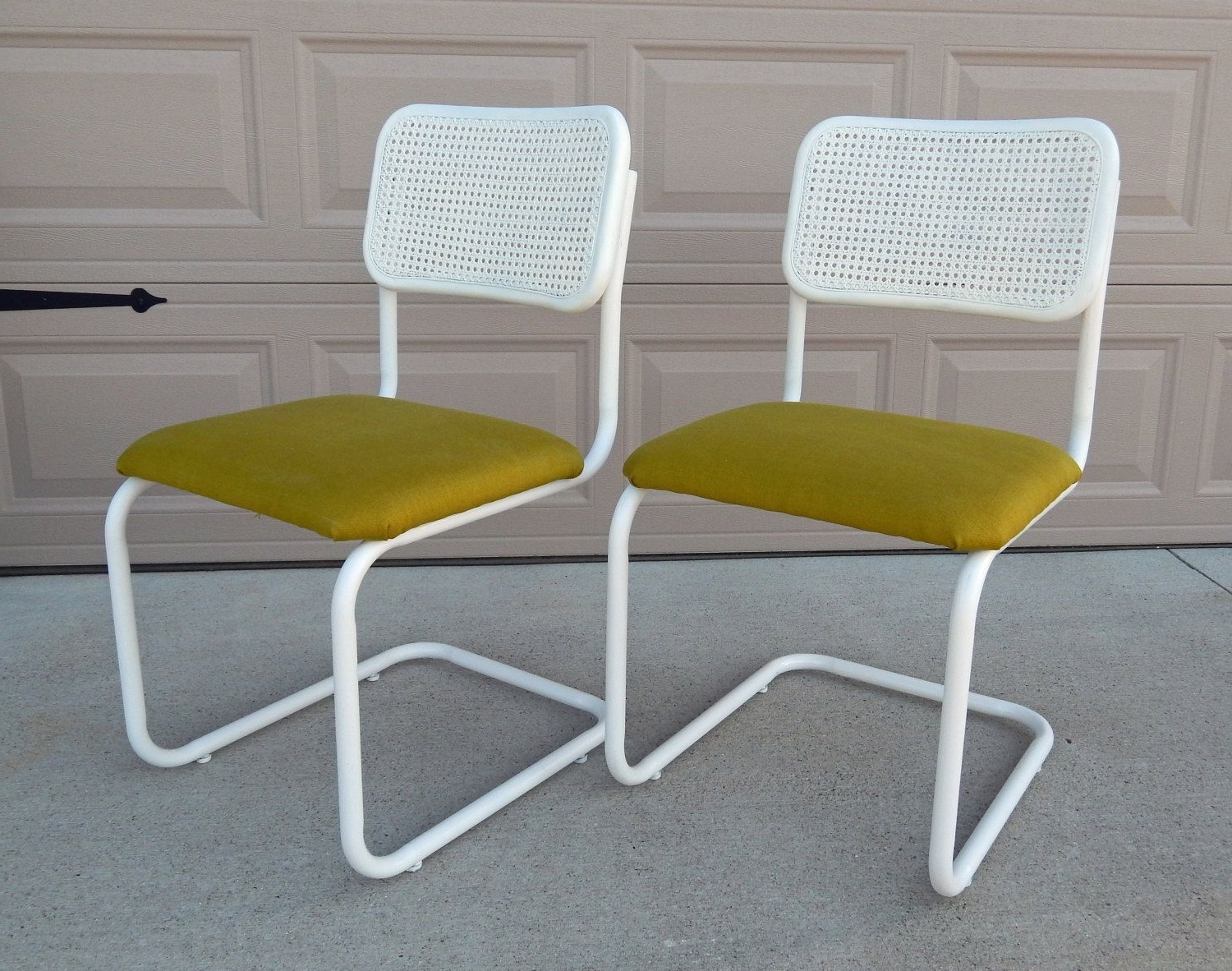 Most Up To Date Vintage Marcel Breuer Cesca Chair/refinished/reupholstered/apple Within Garten Onyx Chairs With Greywash Finish Set Of  (View 17 of 20)