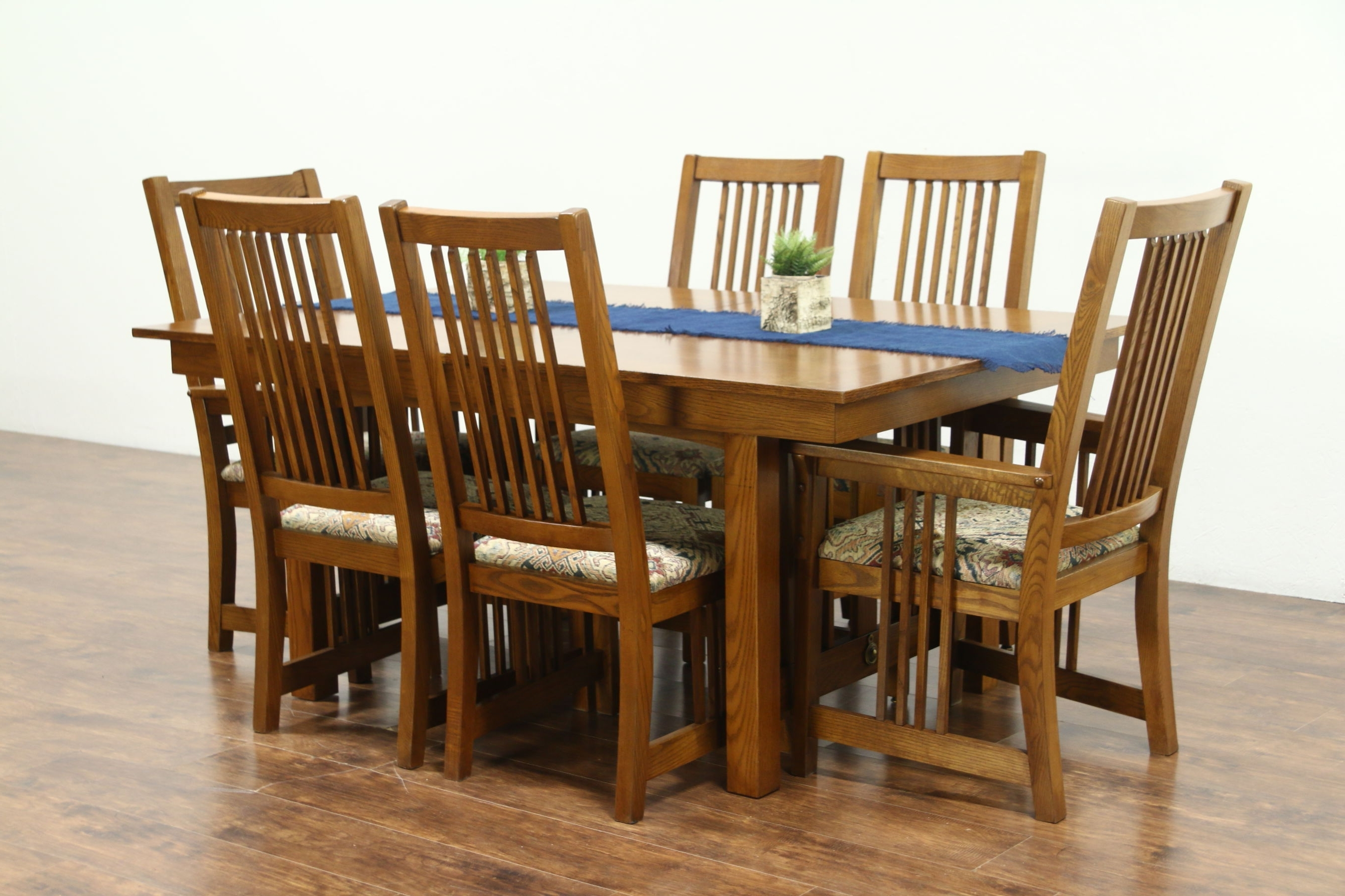 Sold – Prairie Or Craftsman Vintage Oak Dining Set, Table, 2 Leaves Pertaining To Fashionable Craftsman Side Chairs (View 15 of 20)