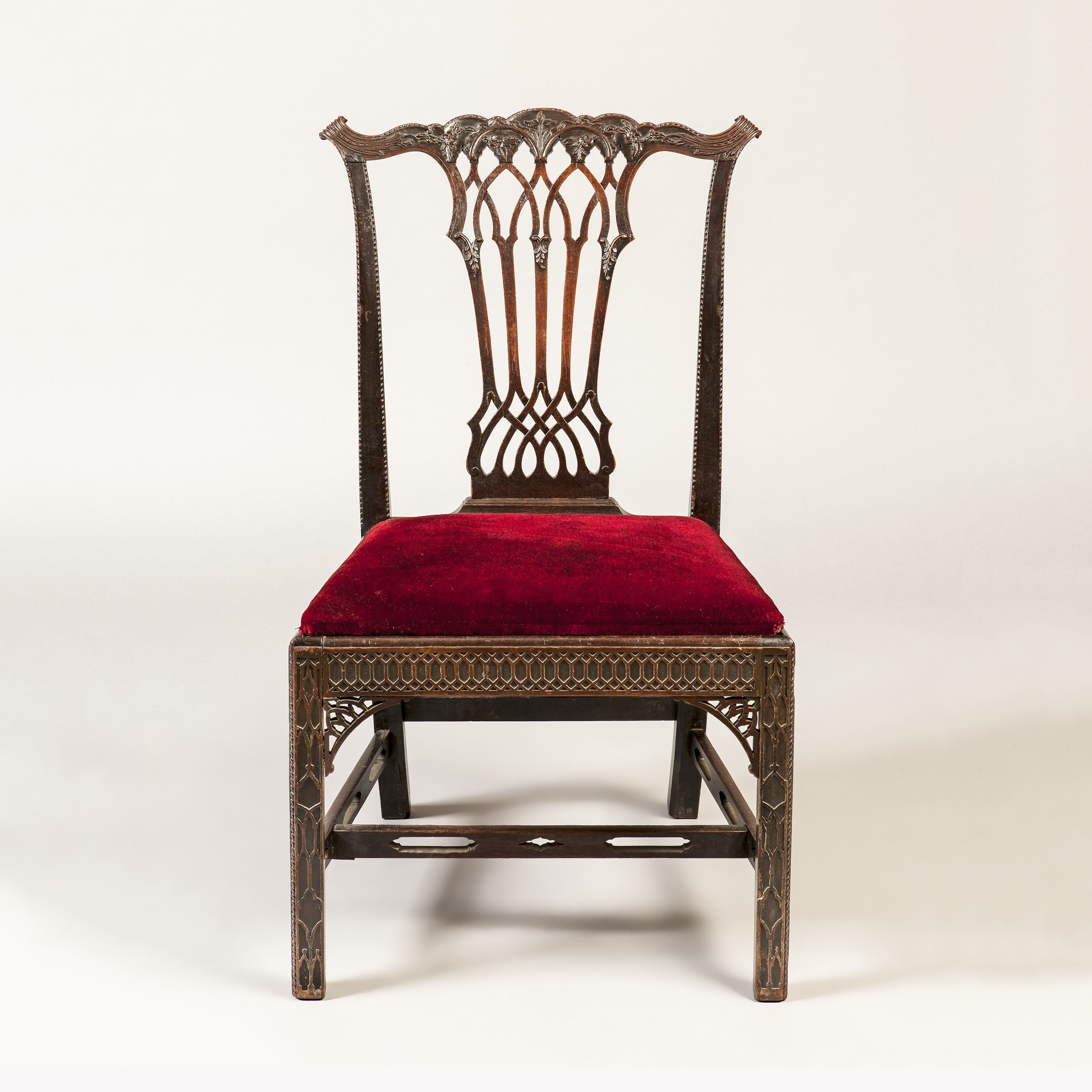 Trendy Set Of 8 Mahogany Dining Chairs In Gothic Manner (C (View 18 of 20)