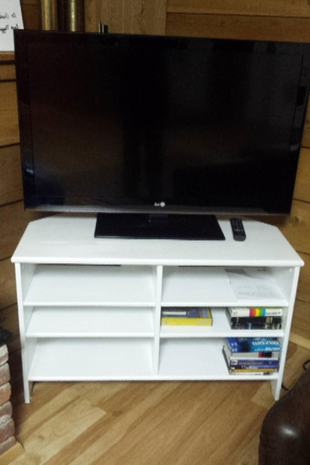 2017 24 Inch Wide Tv Stands With Regard To Ikea Tv Stand Oak Bay, Victoria (View 1 of 20)