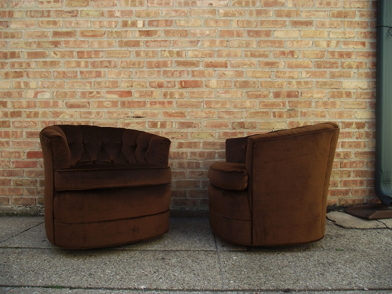 Chocolate Brown Leather Tufted Swivel Chairs Regarding Well Liked Vintage Ground: Vintage/retro Chocolate Tufted Swivel Chairs (View 12 of 20)