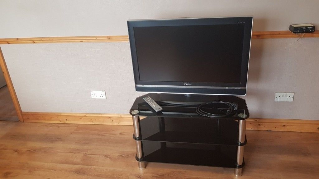 Favorite 32 Inch Tv Stands Pertaining To Sony Bravia Kdl 32v2500 32inch Lcd Tv + Black Glass Tv Stand + (View 20 of 20)